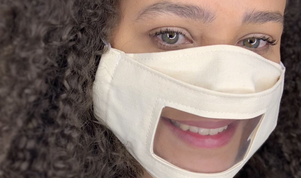 Fundação Grupo VW e BASF produzem máscaras acessíveis com visor
