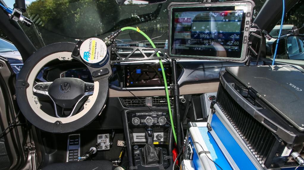 Read more about the article Volkswagen usa robôs de última geração no desenvolvimento do Taos